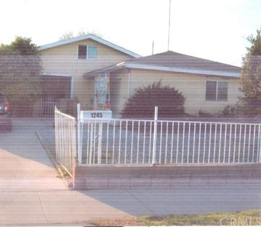 1245 Highland Avenue, Colton, CA 92324 (#PW19111820) :: Fred Sed Group