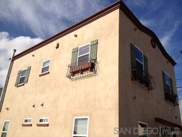 102 W Hall Ave, San Diego, CA 92173 (#190026225) :: Ardent Real Estate Group, Inc.