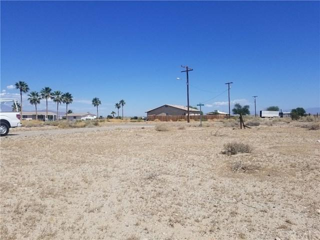 2272 Jacumba Avenue, Salton City, CA 92274 (#SW19112685) :: Fred Sed Group