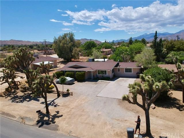 7660 Joshua Lane, Yucca Valley, CA 92284 (#JT19112673) :: Team Tami