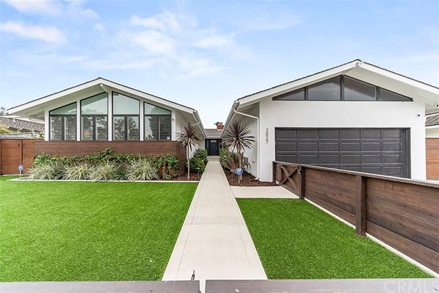 2027 Commodore Road, Newport Beach, CA 92660 (#NP19113250) :: Heller The Home Seller