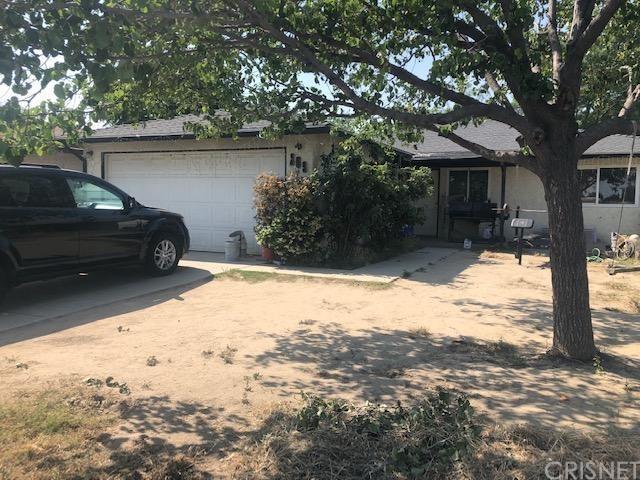 209 Pacheco Road, Bakersfield, CA 93307 (#SR19114204) :: Millman Team