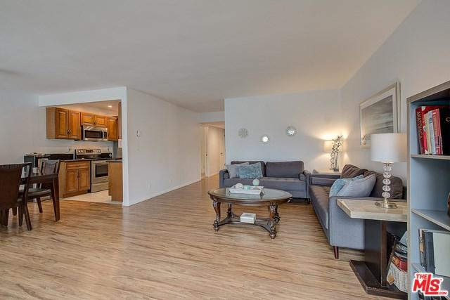 5950 Buckingham #206, Culver City, CA 90230 (#19459418) :: Fred Sed Group