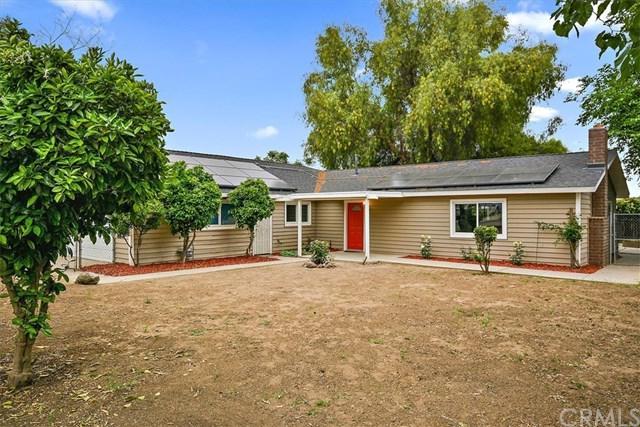 21951 Boggs Lane, Wildomar, CA 92595 (#IV19112365) :: Allison James Estates and Homes