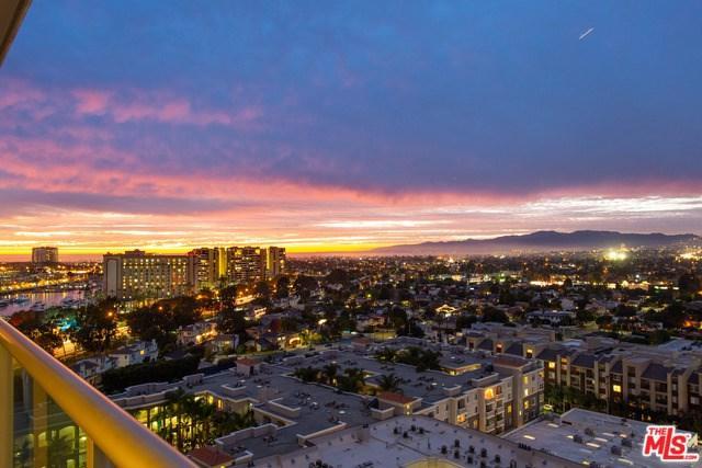 13700 Marina Pointe Drive #922, Marina Del Rey, CA 90292 (#19466396) :: Powerhouse Real Estate