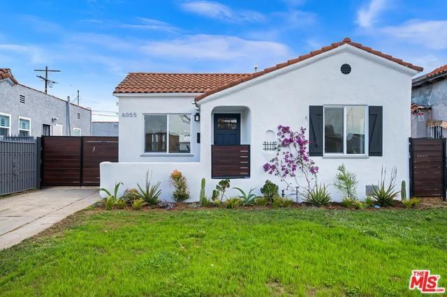 6055 4TH Avenue, Los Angeles (City), CA 90043 (#19466266) :: Allison James Estates and Homes