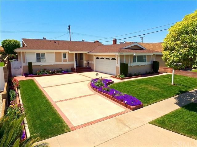 11841 Pine Street, Los Alamitos, CA 90720 (#OC19115211) :: The Marelly Group | Compass