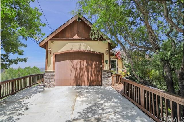 1503 Grass Valley Road, Lake Arrowhead, CA 92352 (#EV19115334) :: The Marelly Group | Compass