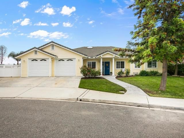 2195 Flint Ave, Escondido, CA 92027 (#190027069) :: Fred Sed Group
