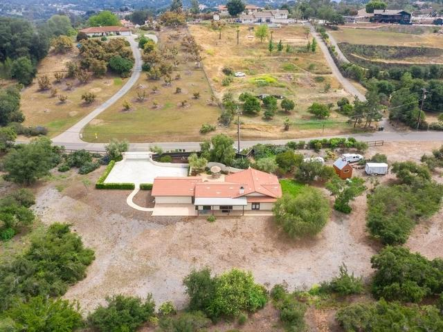 28573 Mountain Meadow Rd, Escondido, CA 92026 (#190027157) :: Fred Sed Group