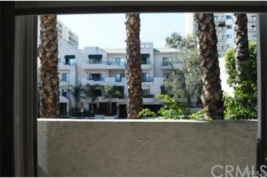 1124 N La Cienega Boulevard #202, West Hollywood, CA 90069 (#PW19116033) :: Powerhouse Real Estate