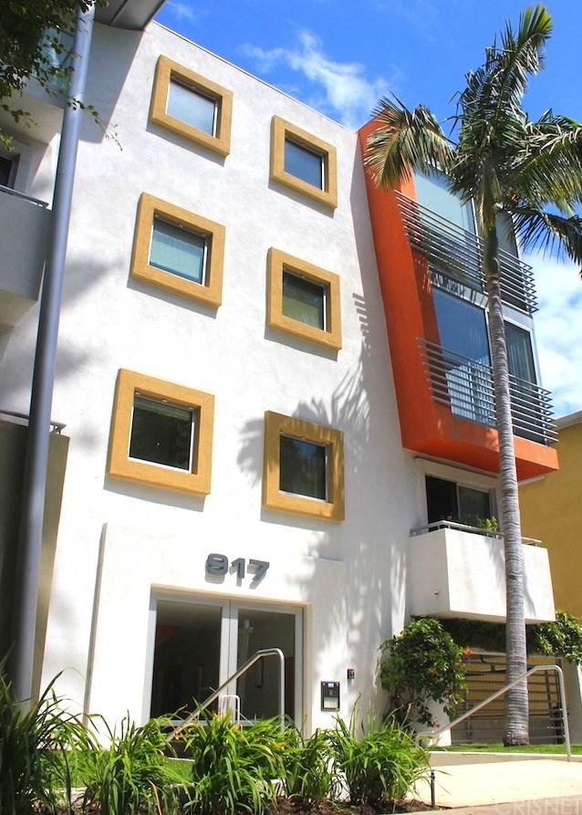 917 2nd Street #204, Santa Monica, CA 90403 (#SR19116015) :: Powerhouse Real Estate