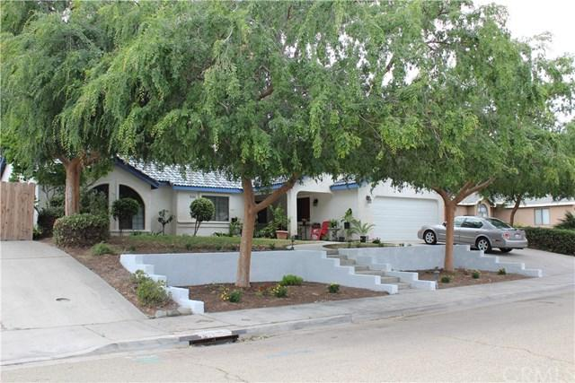 2855 Hillcrest Street, Selma, CA 93662 (MLS #FR19116852) :: Desert Area Homes For Sale