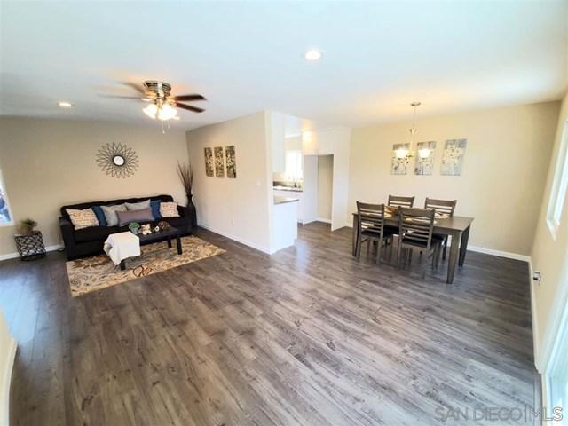 448 Parkbrook St, Spring Valley, CA 91977 (#190027498) :: Mainstreet Realtors®