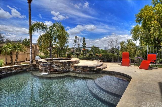 3306 Rochelle Lane, Corona, CA 92882 (#PW19116668) :: Fred Sed Group