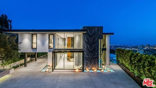 1677 N Doheny Drive, Los Angeles (City), CA 90069 (#19468196) :: Mainstreet Realtors®