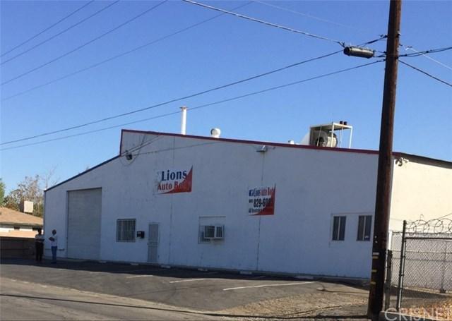 400 Covey Avenue, Bakersfield, CA 93308 (#SR19117277) :: Millman Team