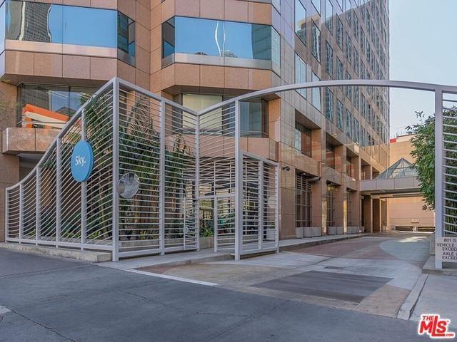 801 S Grand Avenue #1302, Los Angeles (City), CA 90017 (#19468532) :: Allison James Estates and Homes