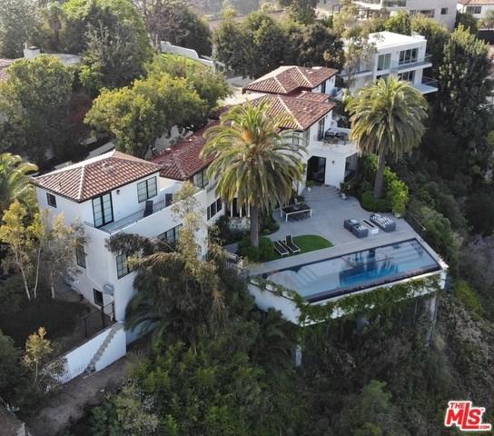 2230 Maravilla Drive, Los Angeles (City), CA 90068 (#19465816) :: Mainstreet Realtors®