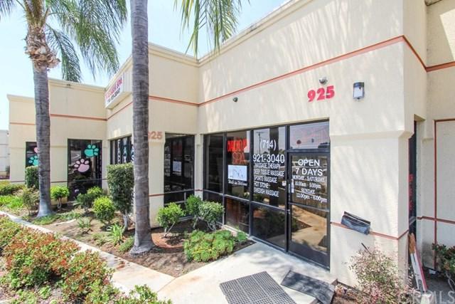 925 E Lincoln Avenue B, Orange, CA 92865 (#PW19118324) :: Ardent Real Estate Group, Inc.