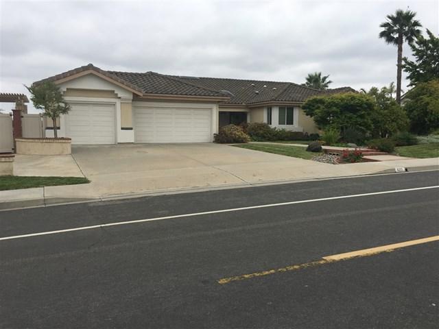 622 Cantara Ln, Vista, CA 92081 (#190027786) :: Abola Real Estate Group