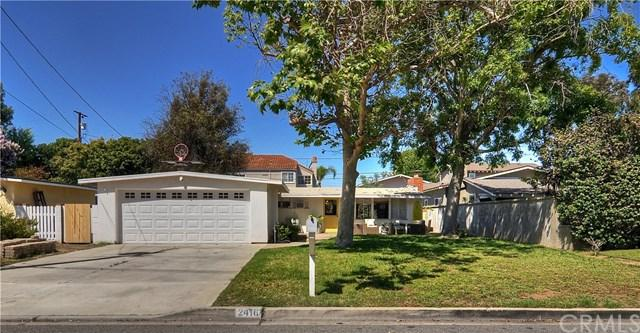 2418 Holly Lane, Newport Beach, CA 92663 (#NP19119353) :: Doherty Real Estate Group