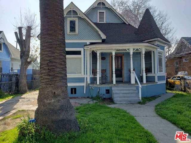210 E 25TH Street, Los Angeles (City), CA 90011 (#19469476) :: RE/MAX Masters