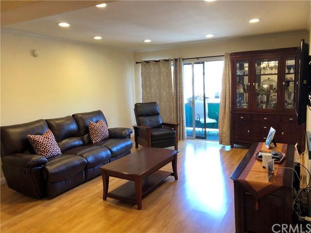 5460 White Oak Avenue G202, Encino, CA 91316 (#CV19119785) :: RE/MAX Innovations -The Wilson Group