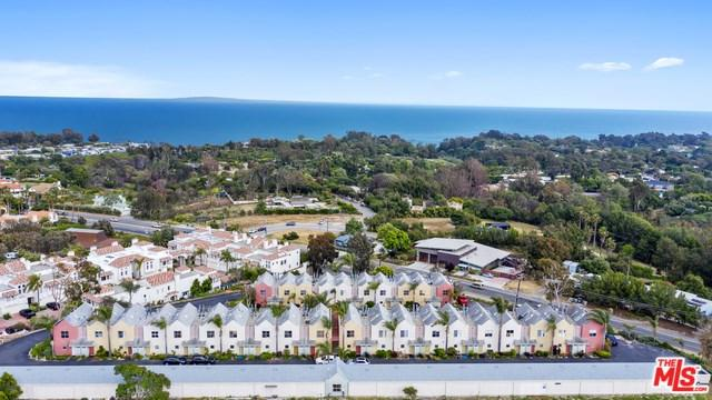 28711 Pacific Coast Highway #10, Malibu, CA 90265 (#19469888) :: Blake Cory Home Selling Team