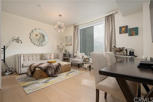 1050 S Grand Avenue #1105, Los Angeles (City), CA 90015 (#OC19122097) :: Heller The Home Seller