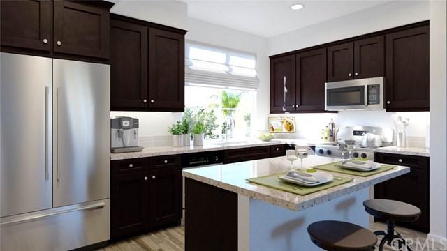 818 Savi Drive #103, Corona, CA 92880 (#OC19122533) :: Rogers Realty Group/Berkshire Hathaway HomeServices California Properties