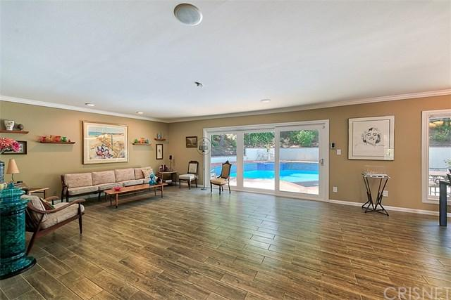 21340 Mulholland Drive, Woodland Hills, CA 91364 (#SR19122541) :: Rogers Realty Group/Berkshire Hathaway HomeServices California Properties
