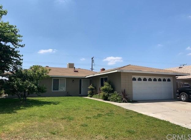 16555 Mallory Drive, Fontana, CA 92335 (#DW19122893) :: Heller The Home Seller