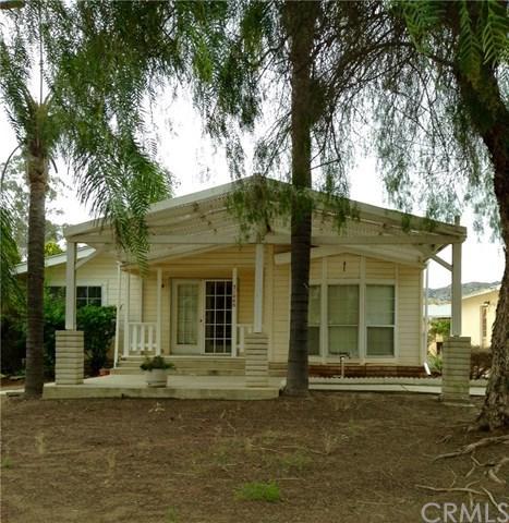 31040 Oak Valley Drive, Homeland, CA 92548 (#OC19117207) :: Heller The Home Seller
