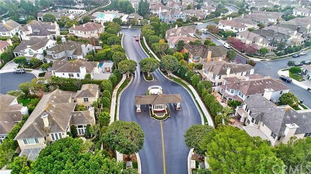 6 Colonial Drive, Newport Beach, CA 92660 (#NP19121731) :: Blake Cory Home Selling Team