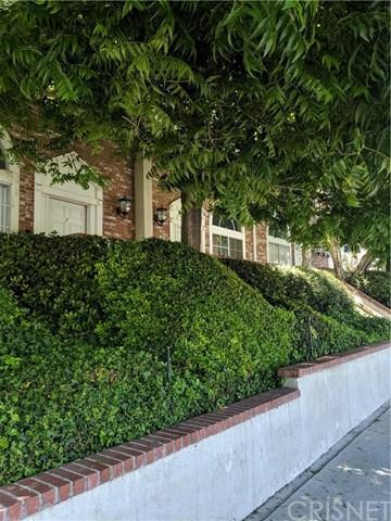 8741 Darby Avenue #7, Northridge, CA 91325 (#SR19123054) :: Fred Sed Group