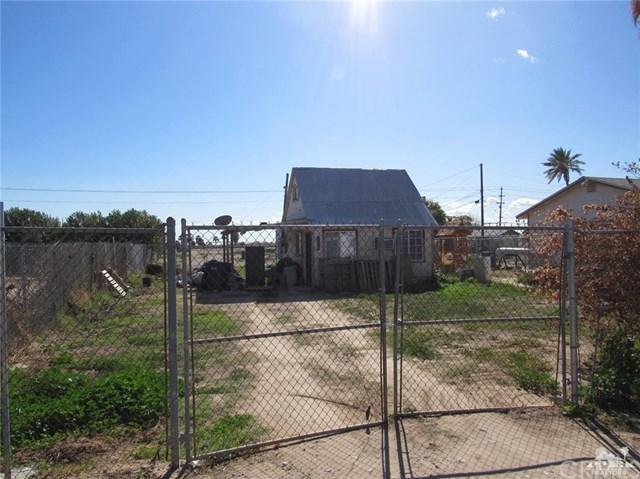 2262 Mckinley Drive, Blythe, CA 92225 (#219015361DA) :: Fred Sed Group