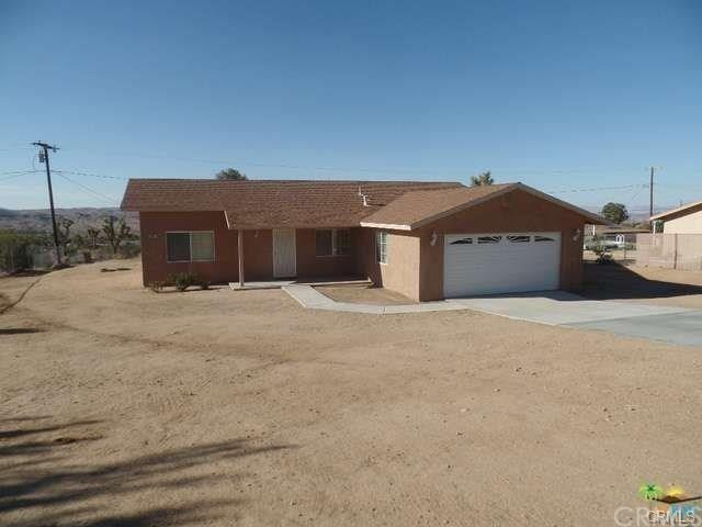 60442 Pueblo Trail, Joshua Tree, CA 92252 (#JT19127739) :: RE/MAX Masters