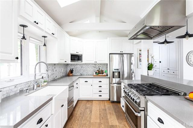20221 Orchid Street, Newport Beach, CA 92660 (#NP19133503) :: Fred Sed Group