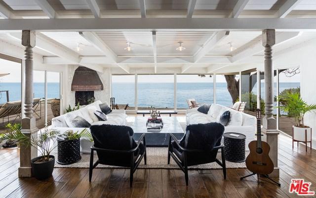 7157 Birdview Avenue, Malibu, CA 90265 (#19475638) :: The Laffins Real Estate Team