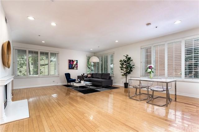 117 N Gale Drive #206, Beverly Hills, CA 90211 (#SB19134764) :: Naylor Properties