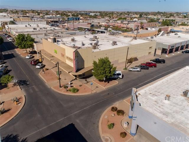 510 W Main Street, El Centro, CA 92243 (#DW19136623) :: Twiss Realty