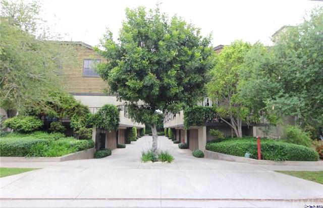 64 N Oak Avenue #11, Pasadena, CA 91107 (#319002315) :: The Brad Korb Real Estate Group