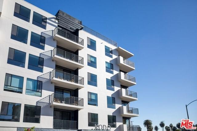 2867 Sunset Place, Los Angeles (City), CA 90005 (#19476856) :: Team Tami