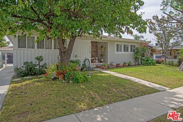 10924 Whitaker Avenue, Granada Hills, CA 91344 (#19476874) :: Team Tami