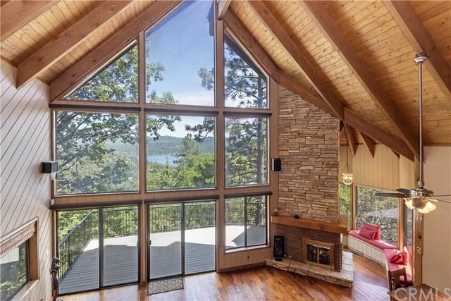 1148 Nadelhorn Drive, Lake Arrowhead, CA 92352 (#EV19136282) :: Keller Williams   Angelique Koster
