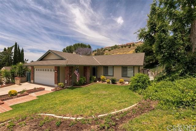 28483 Alder Peak Avenue, Canyon Country, CA 91387 (#SR19135559) :: The Parsons Team