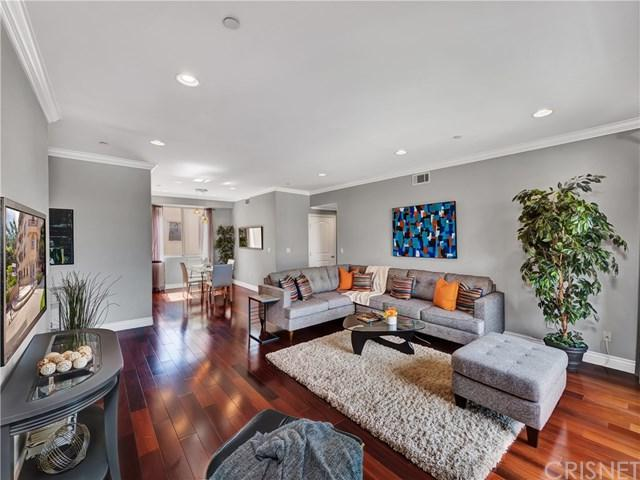 11280 La Maida Street #401, North Hollywood, CA 91601 (#SR19139900) :: Fred Sed Group