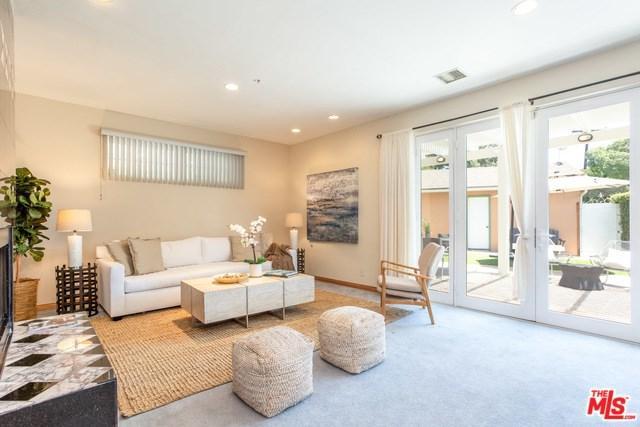 2109 Dorchester Avenue, Santa Monica, CA 90404 (#19477742) :: Team Tami