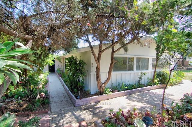 15740 Rinaldi Street, Granada Hills, CA 91344 (#SR19139152) :: Team Tami